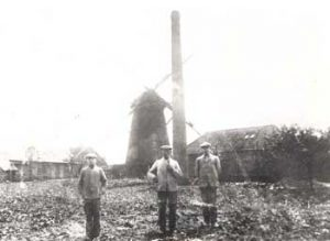 Mühle Böckenhoff in Nichtern mit Müller Josef Böckenhoff - um 1920