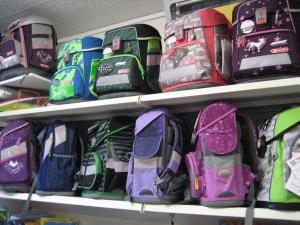 Schulranzen gehören zur Kernkompetenz - mit Beratung für Kinder und Eltern.