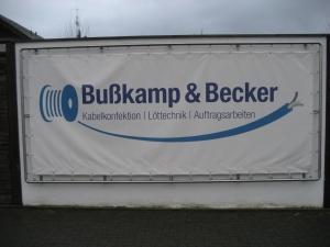 Firmenbanner an der Lindenstraße 8