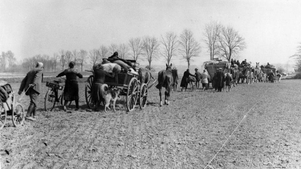 Die Flucht aus Ostpreußen ist unkontrolliert, Hundertausende sterben durch Entbehrungen, Kälte und Hunger.